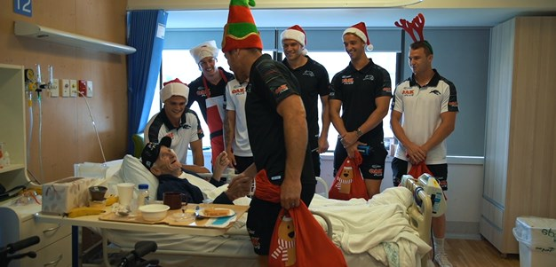 Panthers bring Christmas to Nepean Hospital