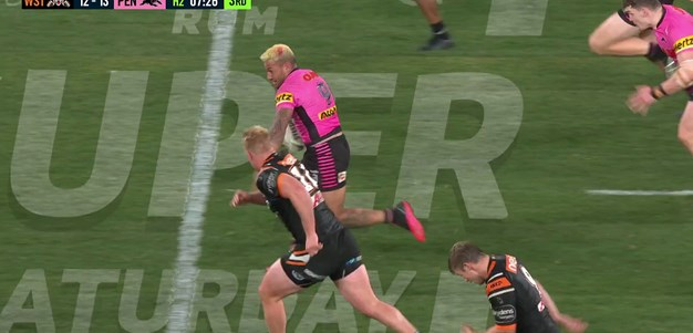 Koroisau sets up Edwards' four-pointer