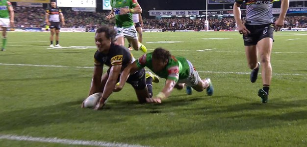 Luai creates and scores his own four-pointer