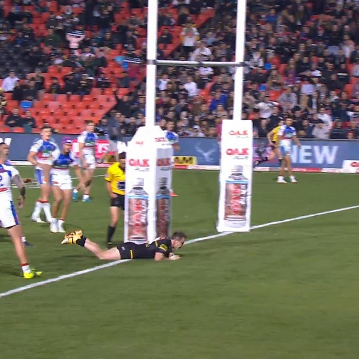 Scrum play sends Edwards in for a four-pointer